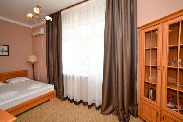 Полулюкс2 спальня1_2195
